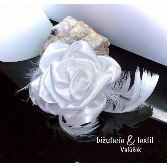 Brož do vlasů Květina s peříčky bílá BR002